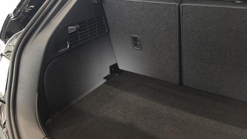 section-kofferraum-ladeboden-oben-800x450