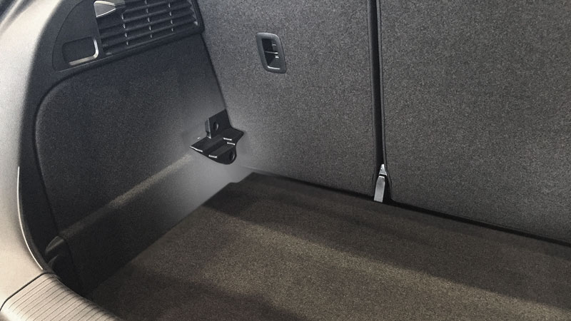 section-kofferraum-ladeboden-unten-800x450